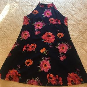Dresses & Skirts - Sleeveless floral above the knee dress